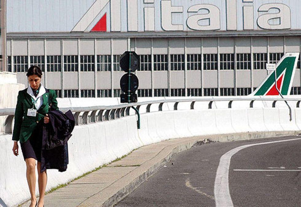 Alitalia, no agli esuberi, sì alla ridistribuzione del lavoro