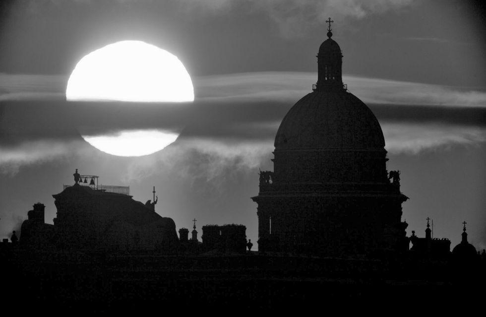 San Pietroburgo, i cinque libri per conoscere la città delle notti illuni