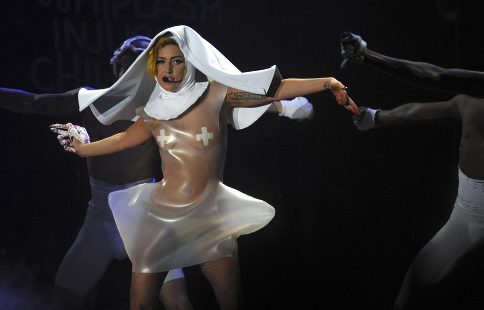 Tutti giù per terra: da Gaga a Beyoncé