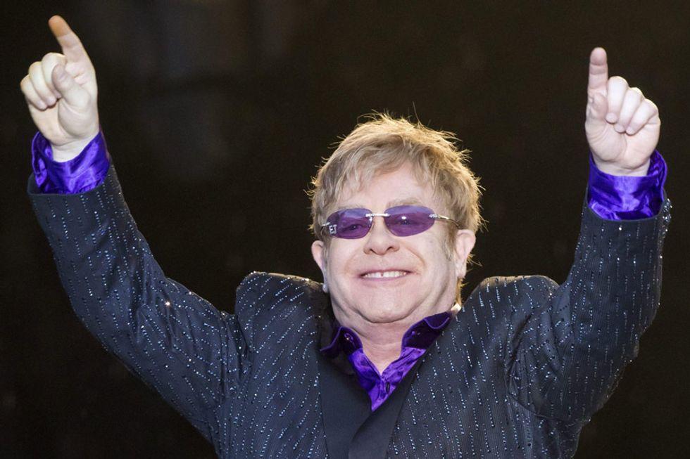 """""""L'amore è la cura"""". Elton John si confessa"""