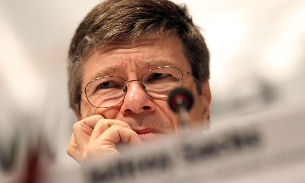 """Jeffrey Sachs, """"Il prezzo della civiltà"""": è tempo che lo paghino i ricchi"""