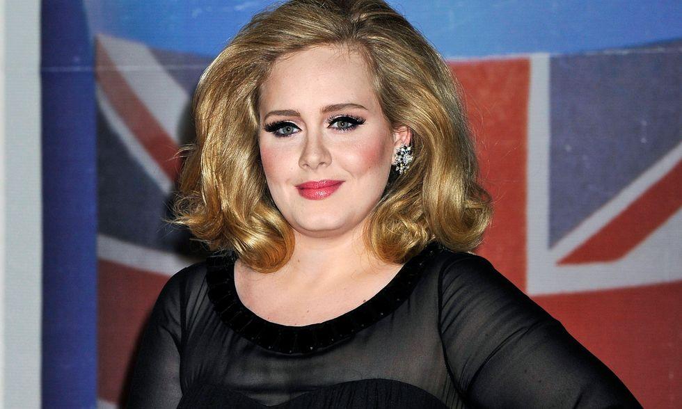 """Adele, """"21"""" è da 80 settimane in classifica: storia di un amore tardivo (in Italia)"""