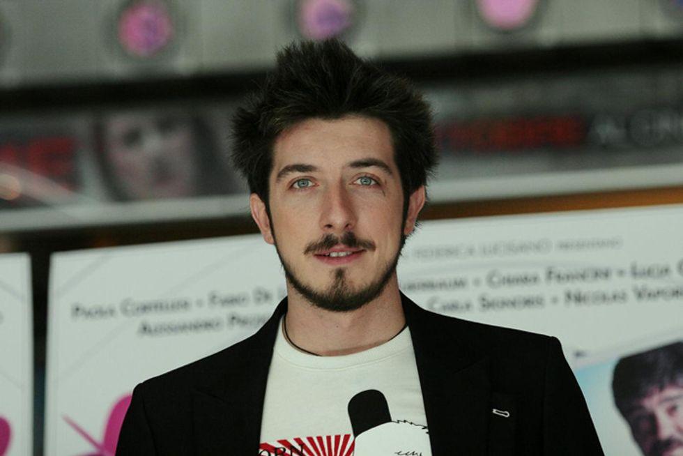 'Tutto bene' di Paolo Ruffini: piccoli Fabio Volo crescono?