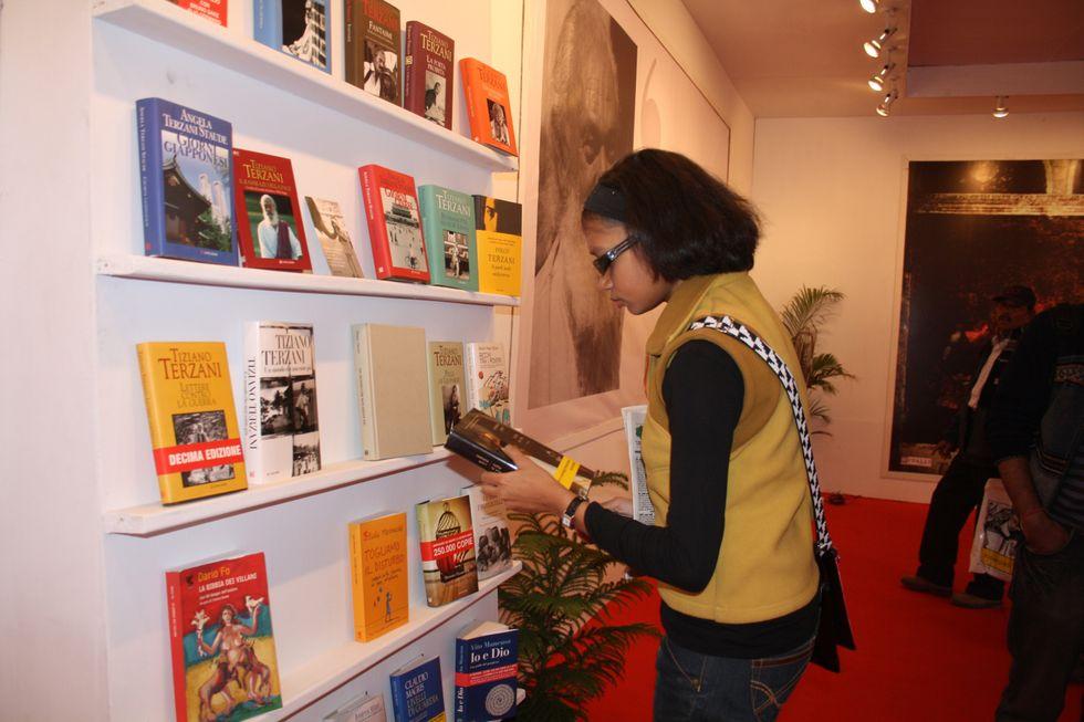 Dall'economia al cinema: i 5 libri-intervista del 2012