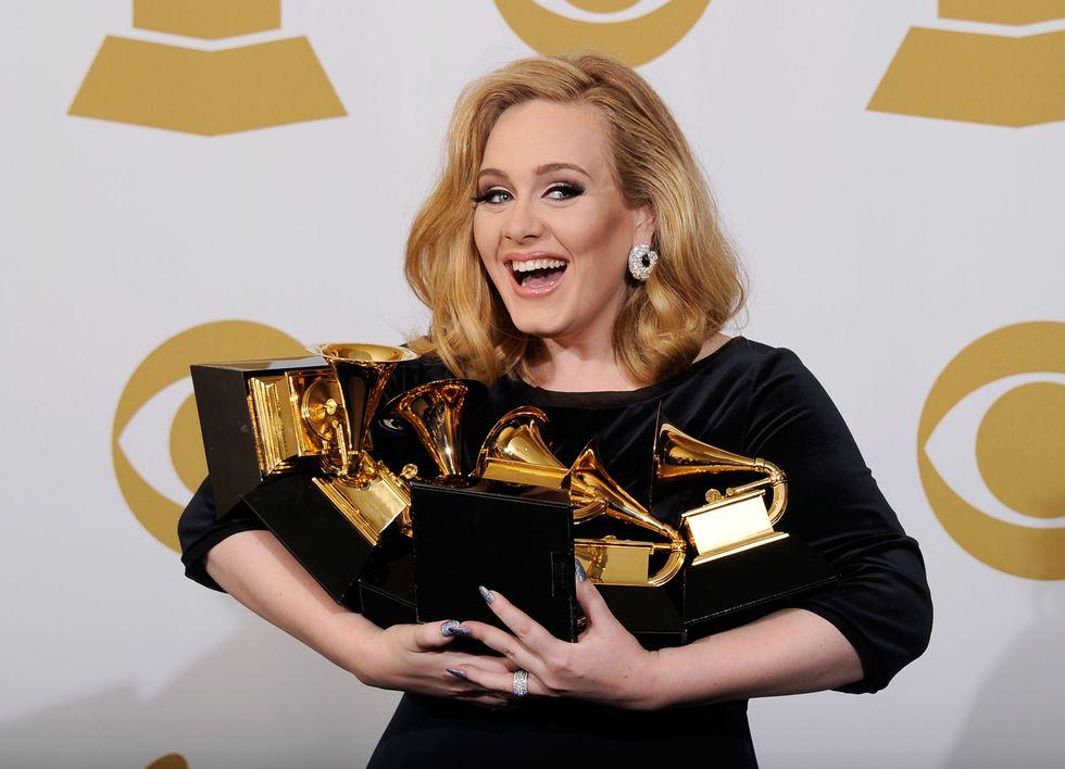 Adele artista dell'anno: Skyfall batte Gangnam Style