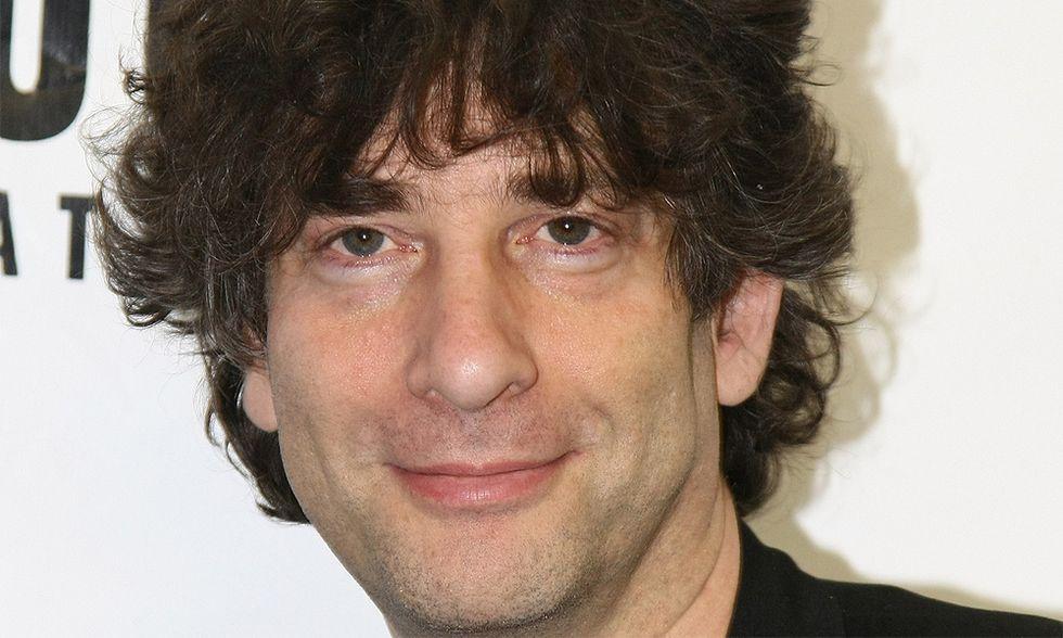 Neil Gaiman, uno smartphone e un calendario di storie proposte dai lettori