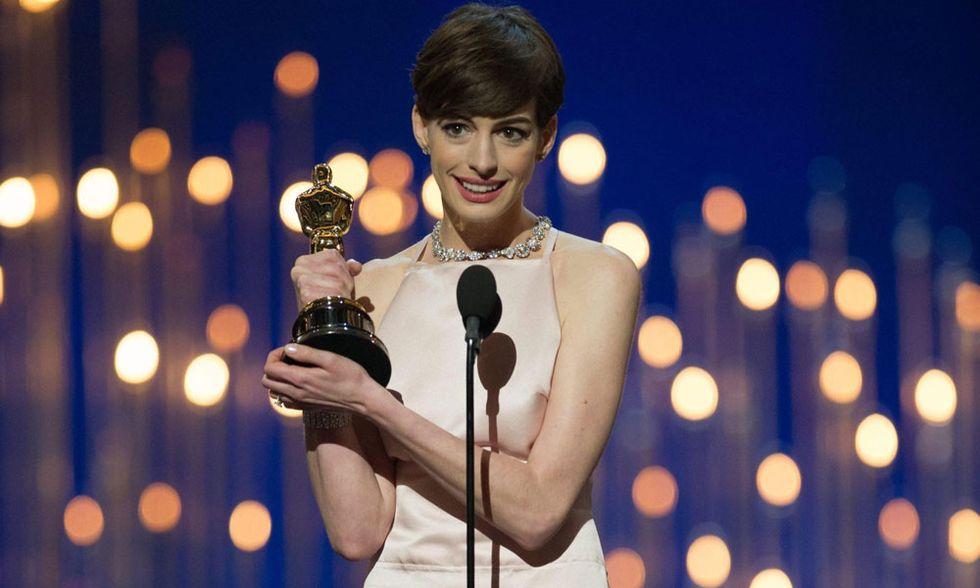 Oscar 2013, Anne Hathaway così amata... e noiosa?