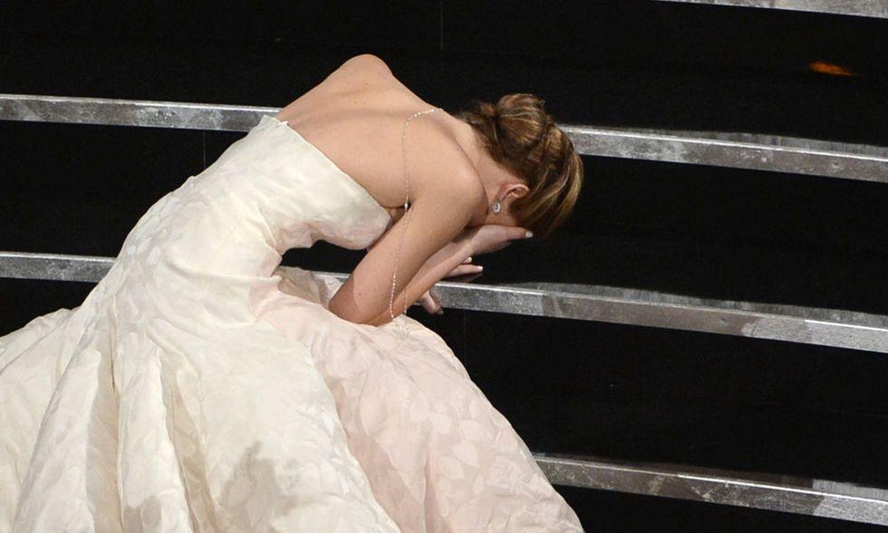 Oscar 2013, la caduta di Jennifer Lawrence - Video