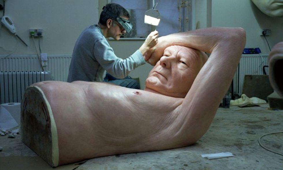 Arte - A Londra le sculture iperrealistiche di Ron Mueck