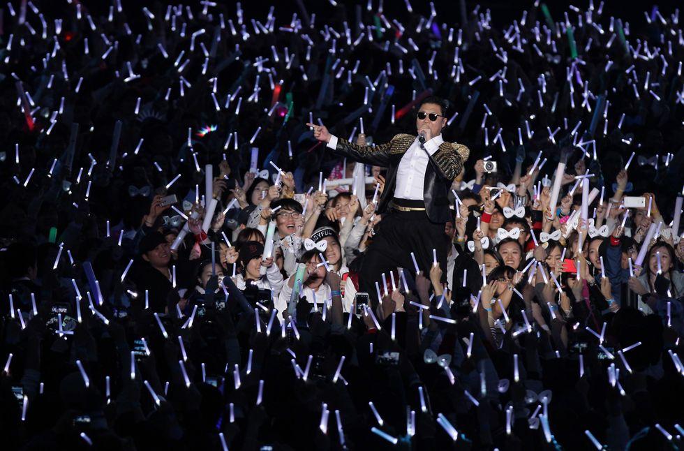 Psy, il nuovo tormentone: Gentleman - Video