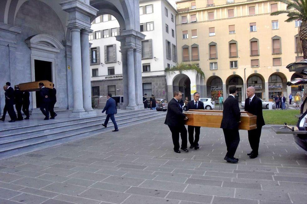 Livorno: i funerali delle vittime del nubifragio
