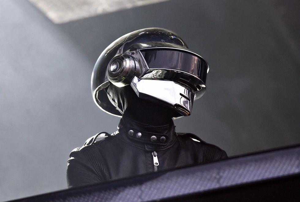 Come costruire il casco dei Daft Punk