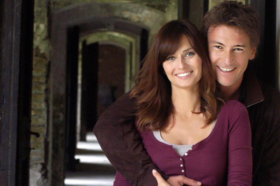 Le tre rose di Eva: su Canale 5 il sequel della serie tv con Roberto Farnesi e Anna Safroncik