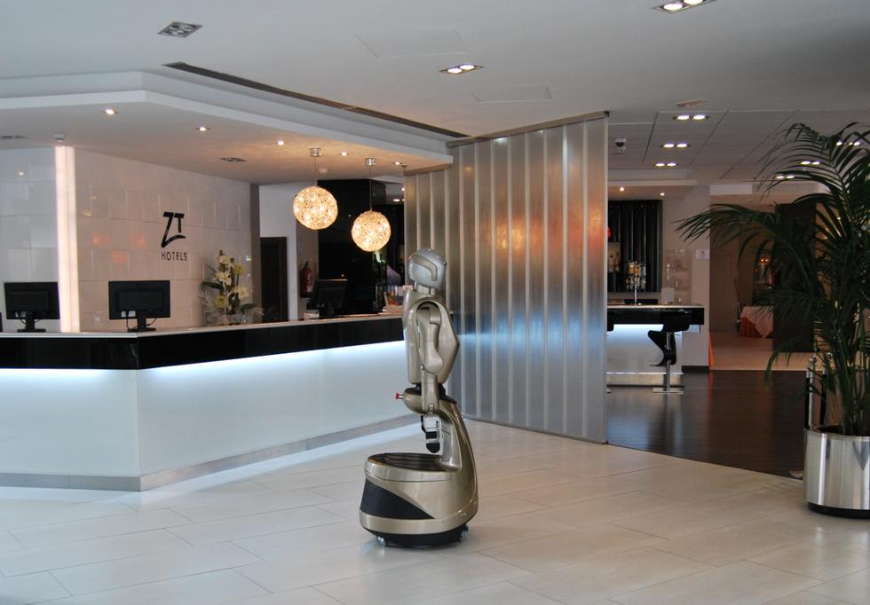 Un po' facchino e un po' concierge, ecco il robot da hotel