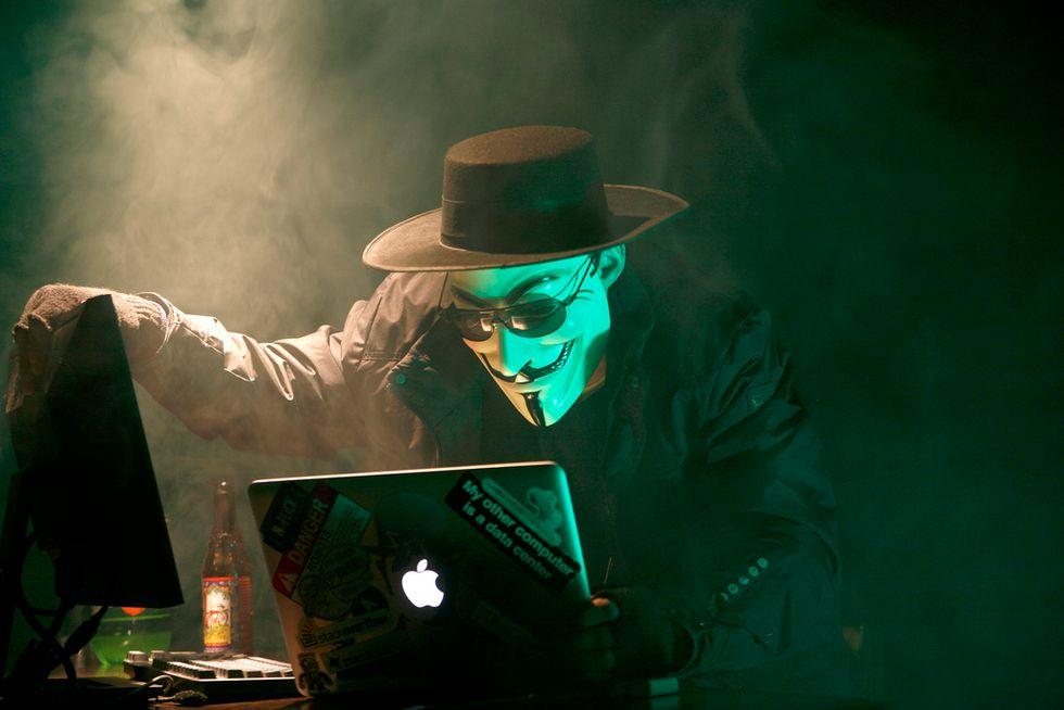 Ecco come un hacker può toglierti tutto (e come fare a impedirlo)