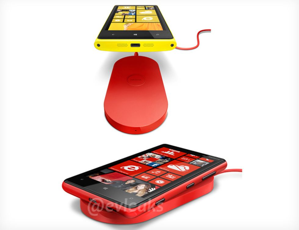 Nokia Lumia 820 e 920, ecco gli smartphone che si ricaricano senza fili