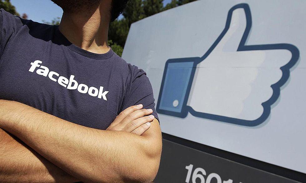 Così Facebook spia Internet