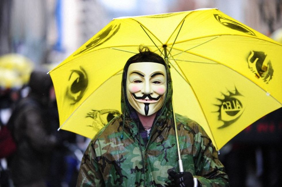 Anonymous: contro la Monsanto e l'Ilva