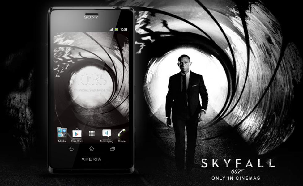 Sony Xperia T, la prova del cellulare di James Bond