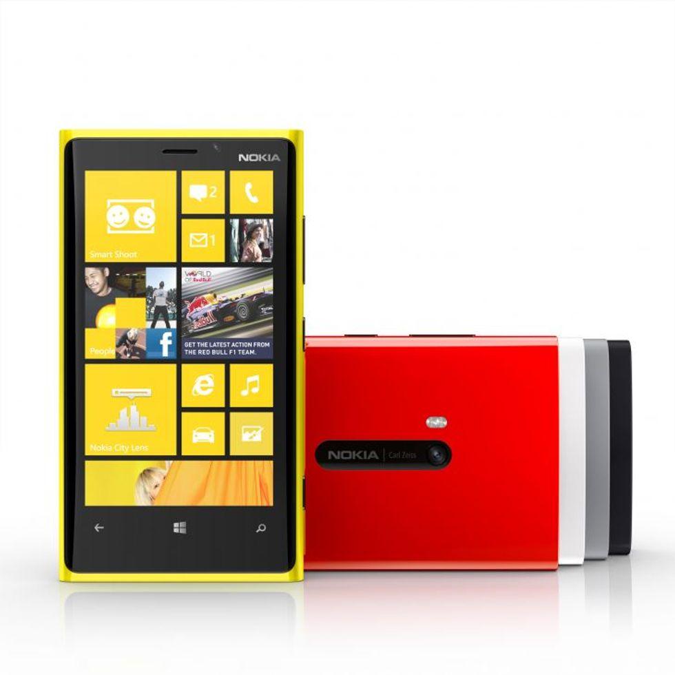 Microsoft si farà un Windows Phone tutto suo?