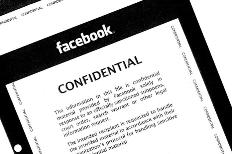 Facebook, ma allora la polizia può davvero spiare?