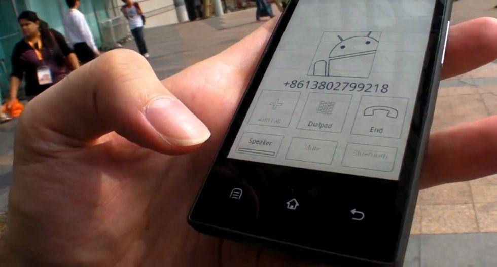 Onyx EINK, il primo smartphone E-Ink ha una settimana di autonomia