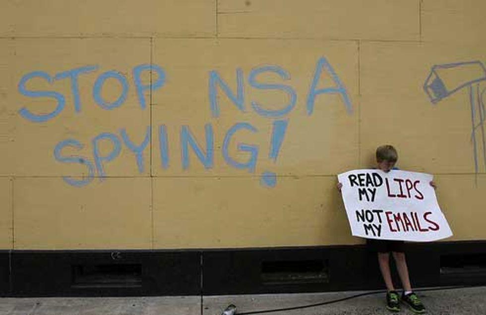 """Snowden: """"Microsoft lavorava a stretto contatto con la NSA"""""""