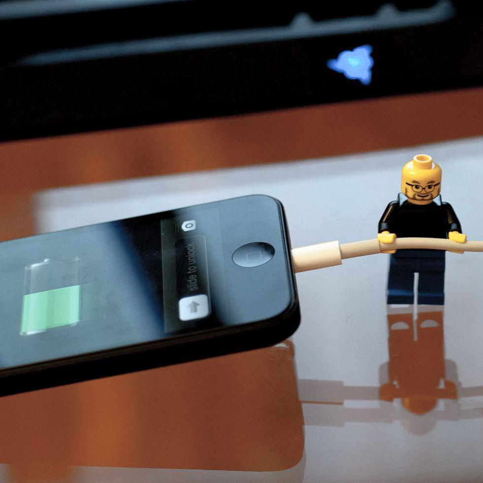 La strana storia della ragazza uccisa dal proprio iPhone 5