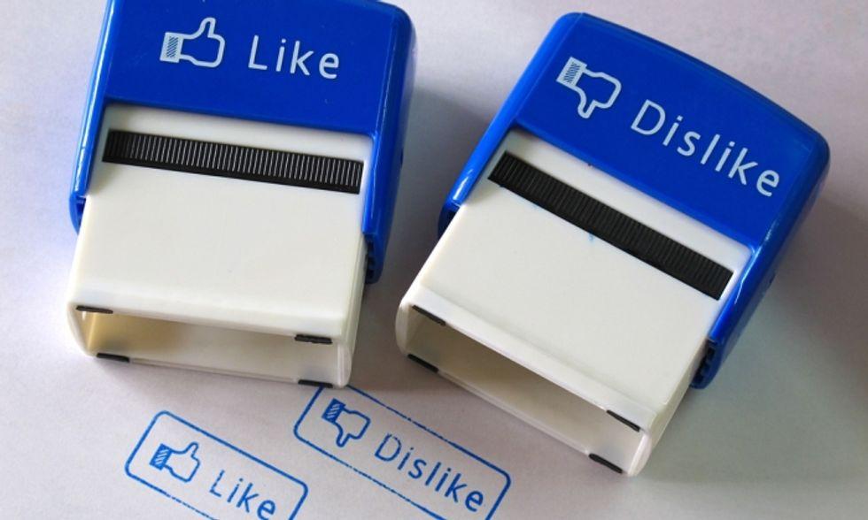 Facebook, arriva il tasto 'Non mi piace'. Ma potrebbe non piacerci