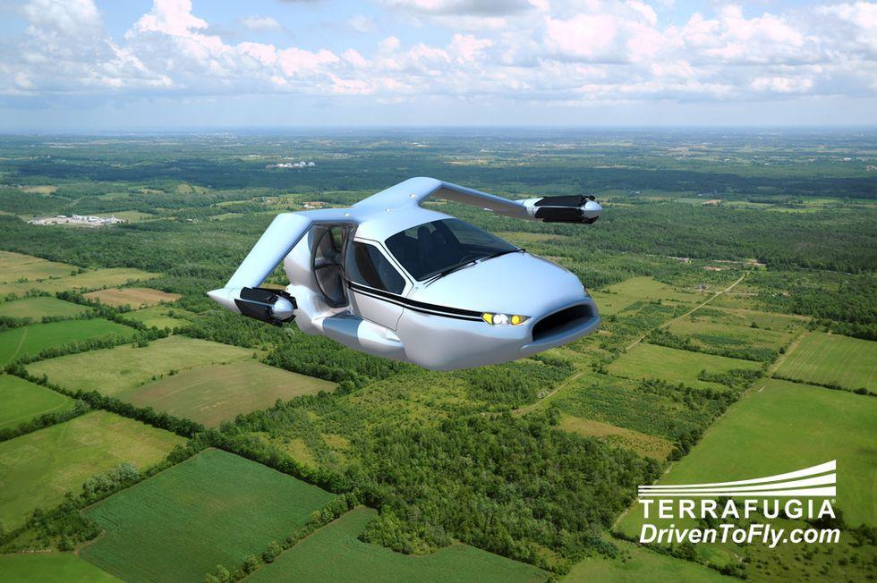 Le auto volanti arriveranno entro il 2016. Potrai parcheggiarle nel garage