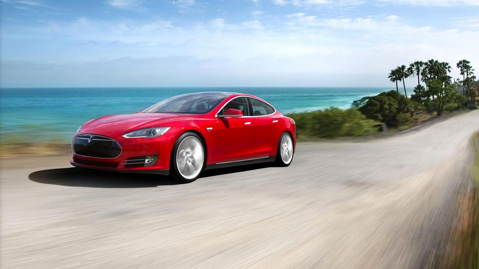 Tesla e il futuro dell'auto elettrica, le 10 cose da sapere