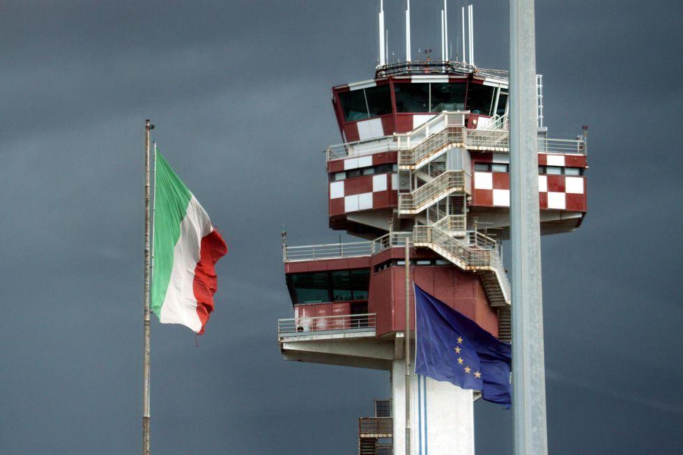 Aeroporti, tariffe e voli low cost - IL VIDEO
