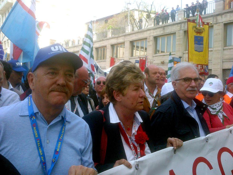 Disoccupazione, contratti e povertà: i temi caldi tra Giovannini e i sindacati