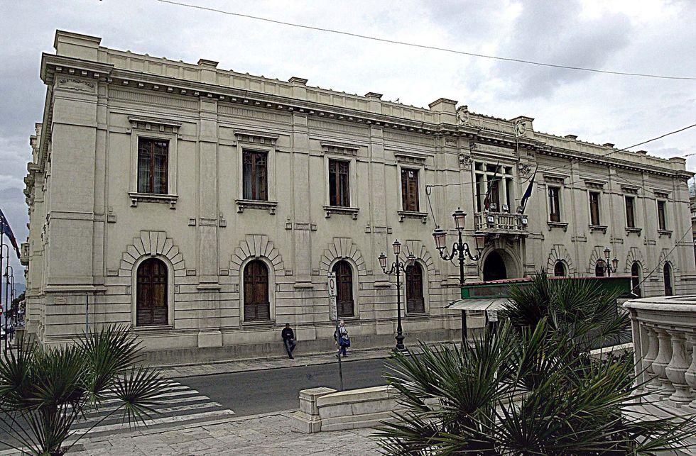 Assicurazione scaduta: niente autobus a Reggio Calabria