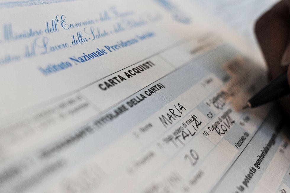 Social Card, come funziona dopo il Decreto Lavoro