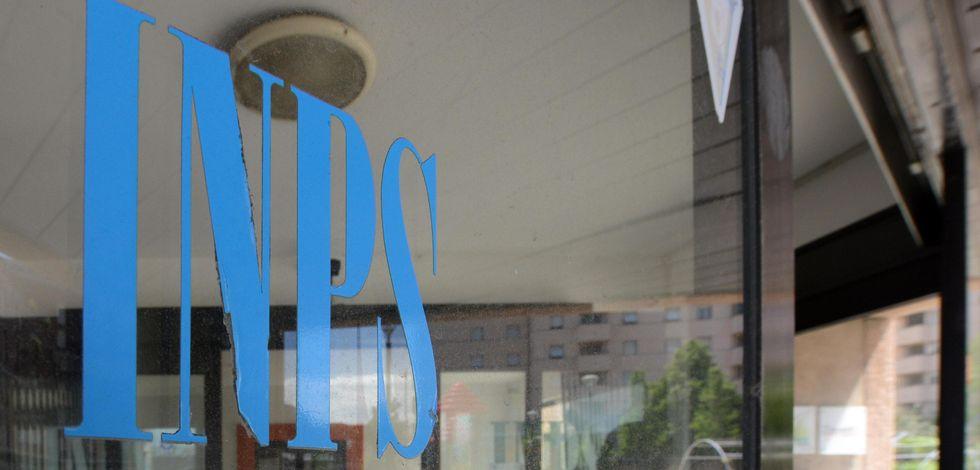 Pensioni, il buco dell'Inps e i precari che mantengono gli ex-dirigenti d'azienda