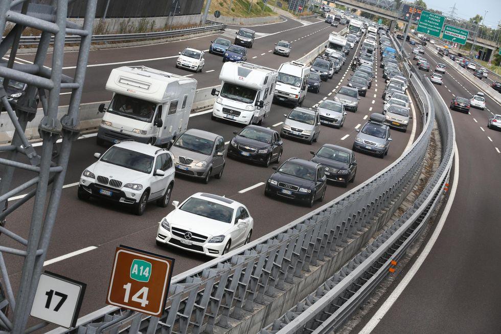 Car pooling, come fare per viaggiare in auto spendendo poco