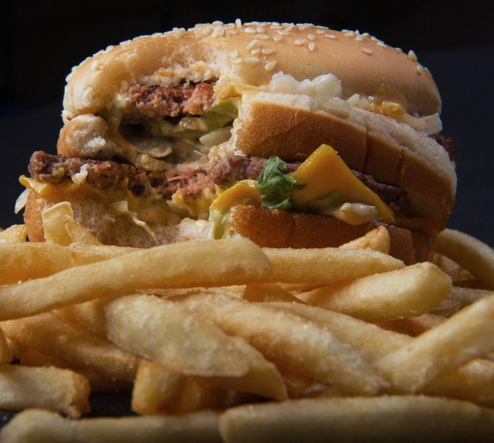 Big Mac, per comprarlo servono 22 minuti di lavoro (negli Usa) o 6 ore (in India)