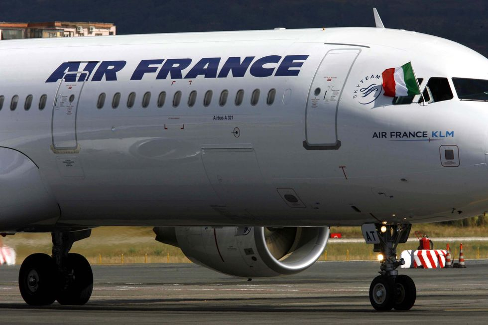 Alitalia, i rischi della trattativa con Etihad e di un'uscita di Air France