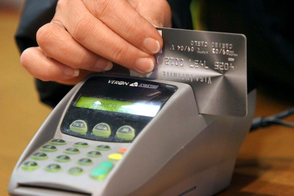 Professionisti: tutto quello che c'è da sapere per pagare con il bancomat