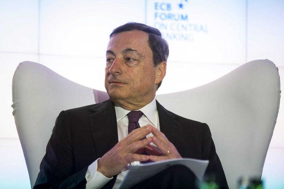 Bce: così Draghi può far avere soldi alle imprese