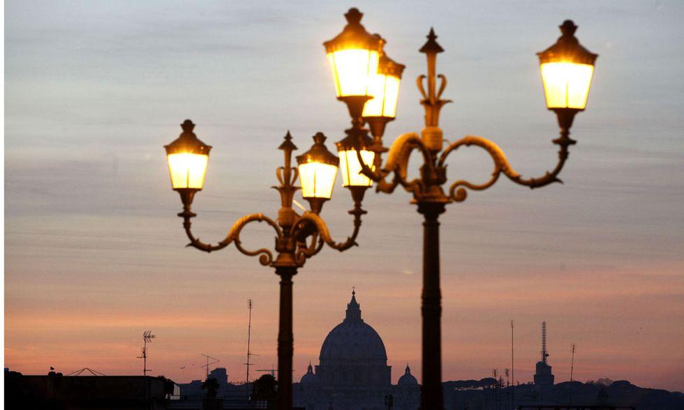 Città al buio, perché farebbero risparmiare agli italiani