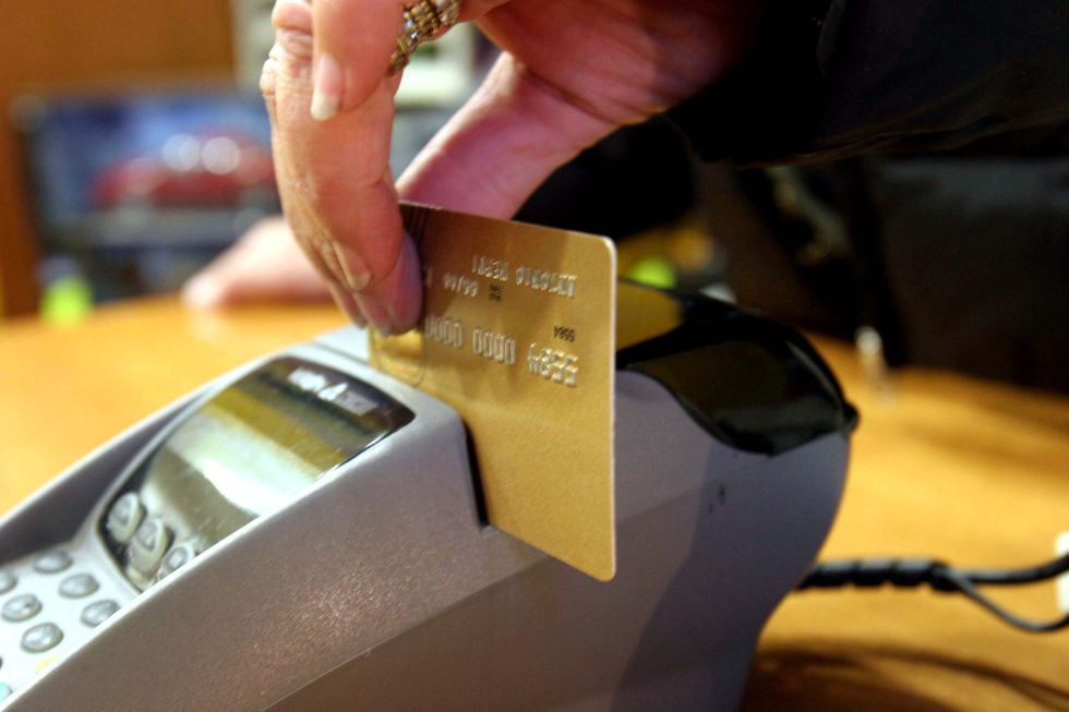 Pos obbligatorio, tre sistemi per abbattere le spese