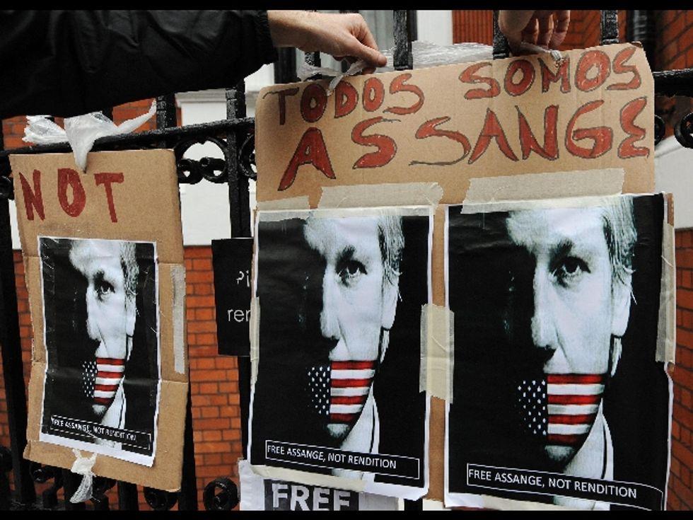 Garzòn e Assange, quella strana coppia di Peter Pan