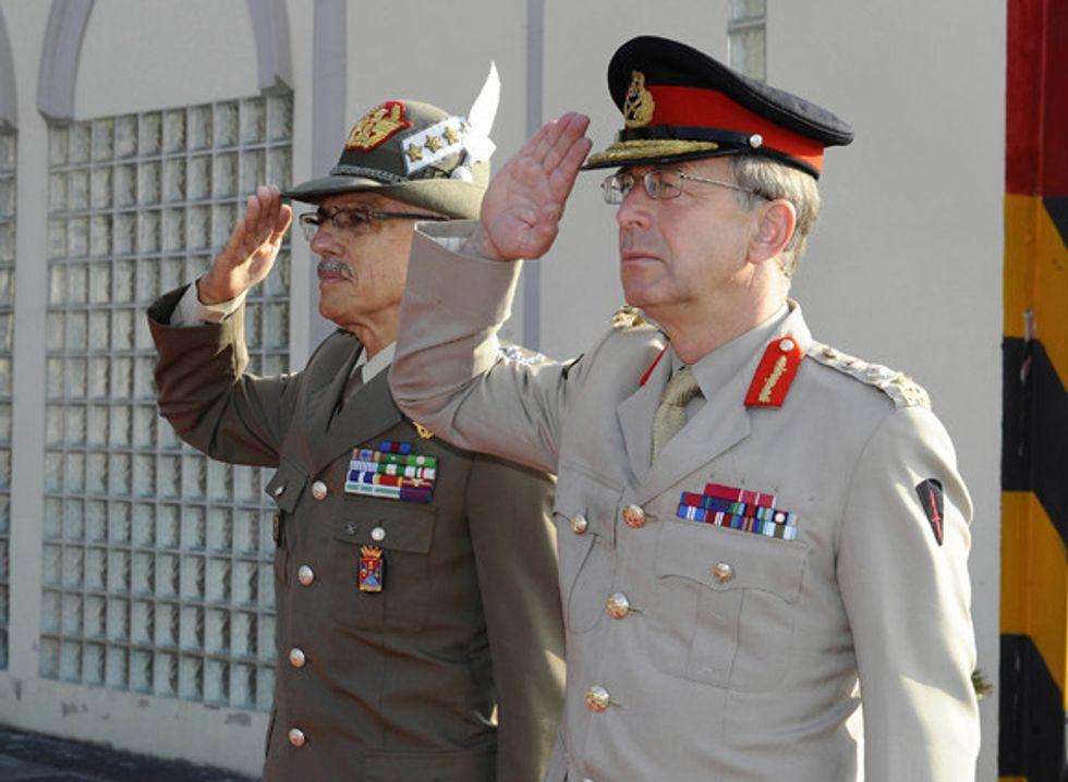Forze armate: più comandanti che comandati