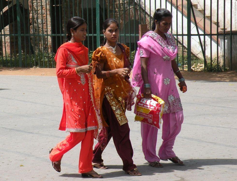 India: abusi su centinaia di donne nella sanità