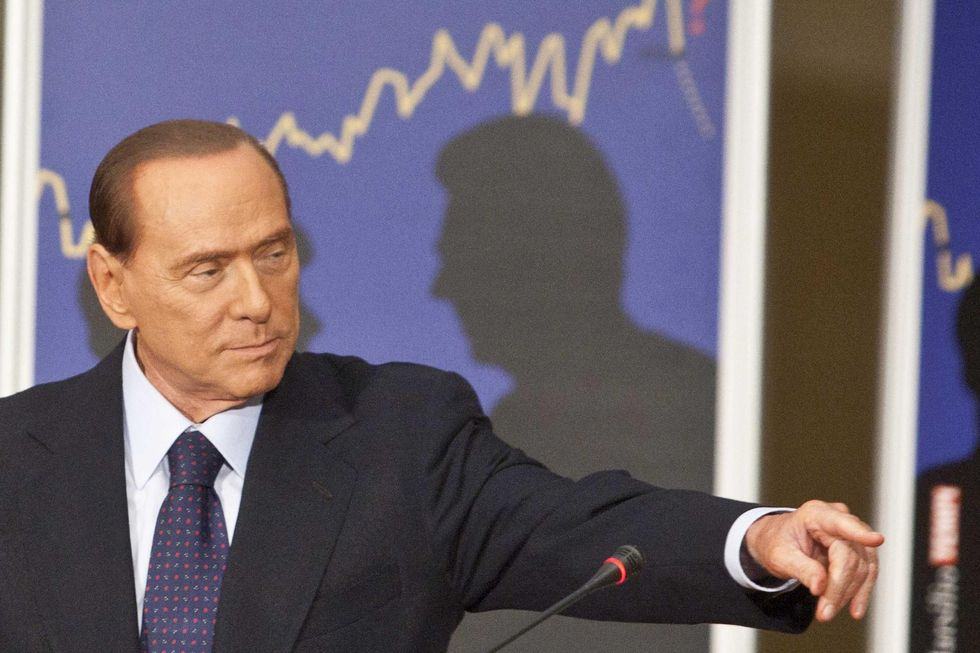Berlusconi: 'Un passo indietro per i moderati'