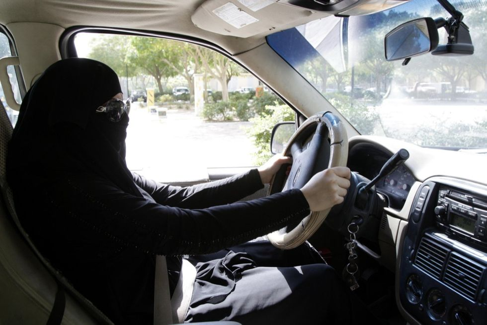 donna-guida-arabia-sudita