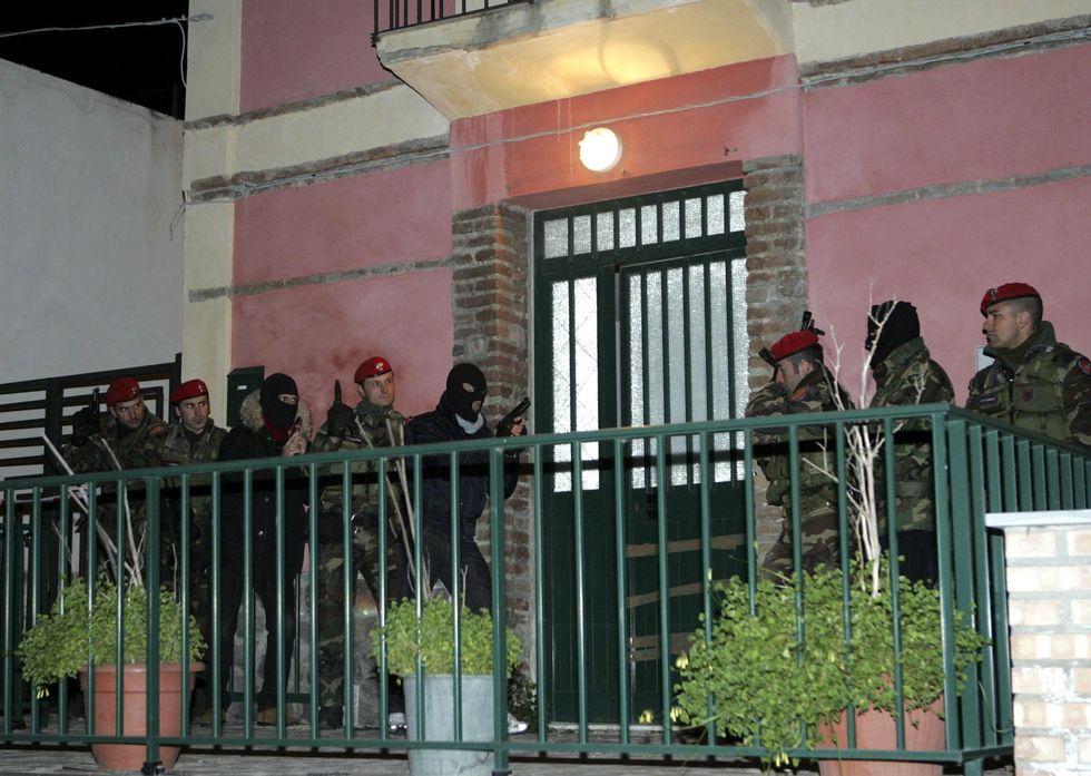 """""""Votate i nostri amici. Perché la 'Ndrangheta è il Vangelo""""."""