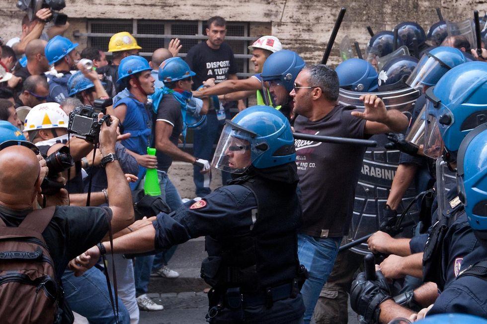 'I lacrimogeni a Roma? Un errore', parola di sbirro